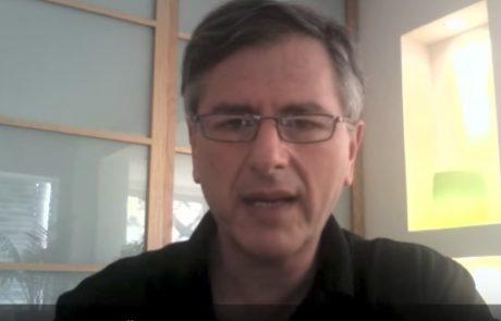 וידאו: טיפול פוטותרפי (אור כחול) באקנה
