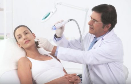 טיפול רפואי חדשני לצלקות אקנה  – בגלי רדיו ומחטים – Fractional microneedle RF