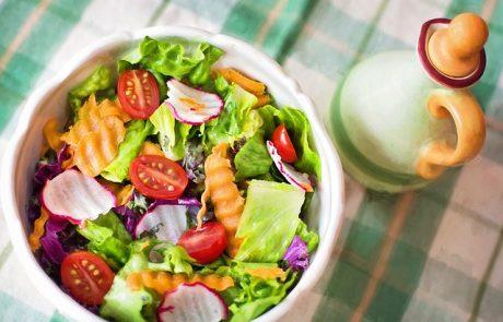 להיפטר מאקנה באמצעות דיאטה דלת פחמימות